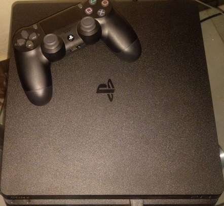 Ps4 1tb with uncharted 4 game