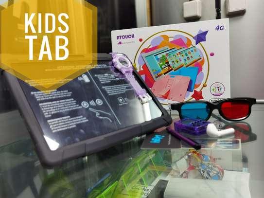 Kid's Table (4 GB/ 64 GB) image 1