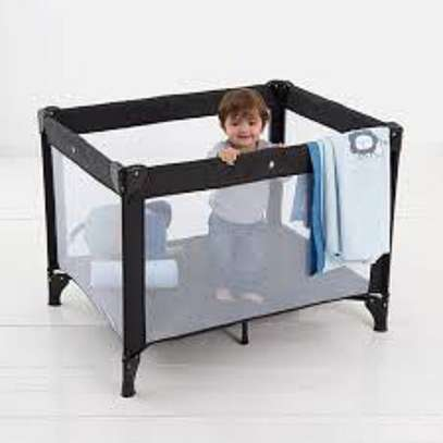 Twinkle 4 baby Portocot bed and playing space