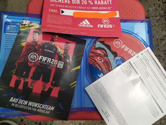 FIFA 20 & 19 Standard Edition - PlayStation 4 ( Used in Germany Never been used in ET)