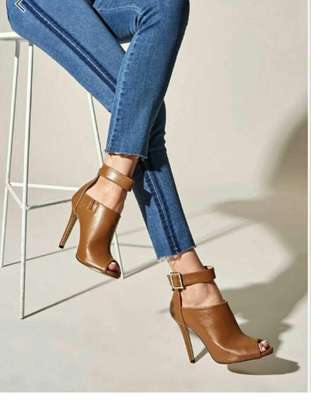Solid Ankle Tow Heels