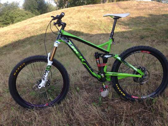 TREK SlUSH 9 FULL SUSPENSION MOUNTAIN TRAIL BIKE