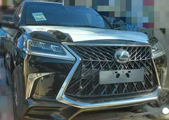 2020 Model-Lexus LX 570 image 1