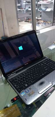 Toshiba satellite core i3 excellent condition laptop    Processor core i3 image 2