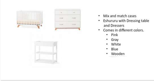 Eshururu With Dressing Table And Dressers