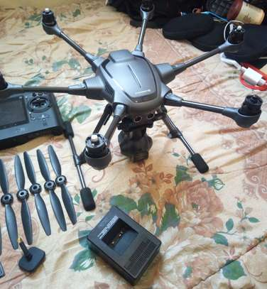 Yuneec typhon h pro Thermal dron