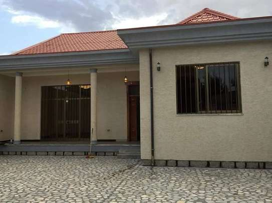 410 Sqm Houses for Rent At Robera Coffee straight across Meta