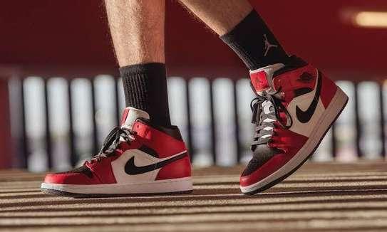 Nike Air Jordan 1 (2020)