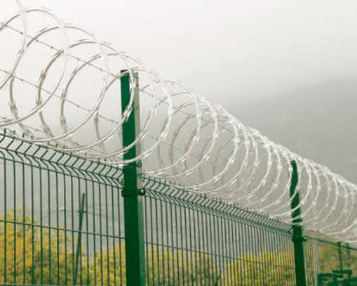 Galvanized outdoor barbed razor wire with security safety fence image 4