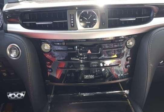 2021 Model Lexus LX (Duty Free) image 10
