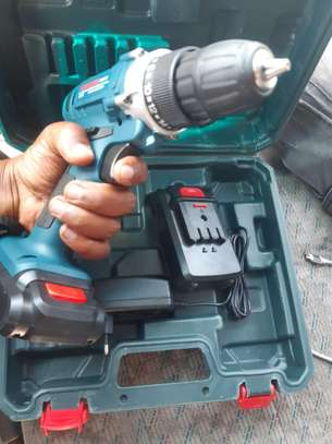 BOSCH Chargeable Drill( 18w)