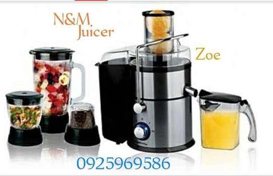 N&M 4 In 1 Juice Extractor Blender