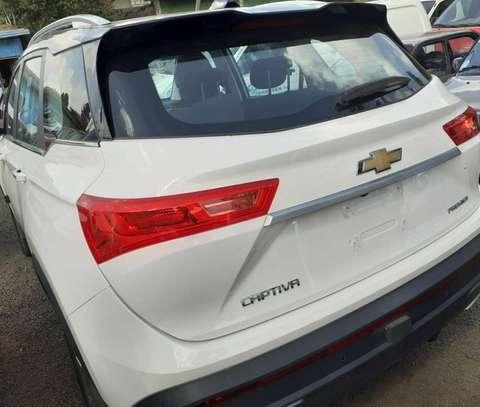 2020 Model-Chevrolet Captiva image 2