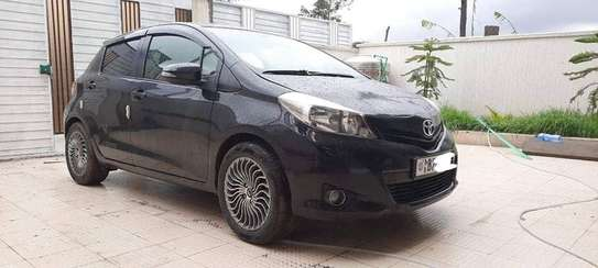 2012 Toyota Yaris Compact image 6