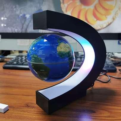 Levitating globe for office Grace image 1