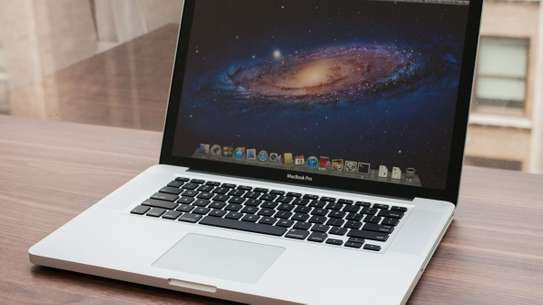 MacBook Pro core i7 8gb ram 1Tb harddisk 15inch very good condition