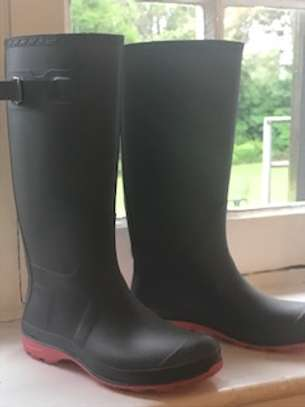 Almost new rubber rain boots size 36 fashionable