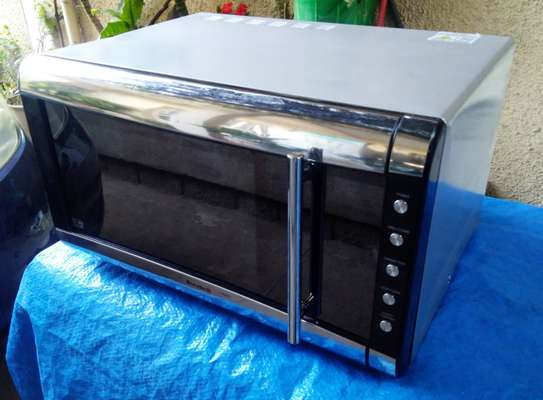 Breville 3-in-one Digital Microwave, Grill & Convection oven image 2