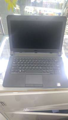 Brand new Dell corei3 4thgen image 1