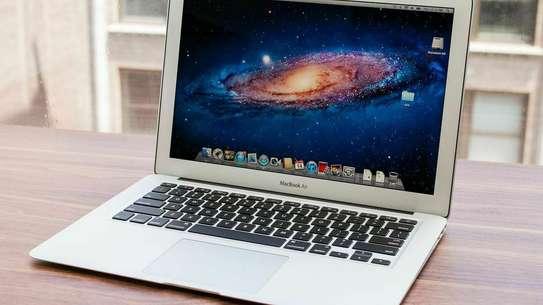 Macbook air 2015 image 2