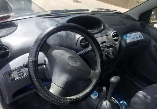 2001 Model -Toyota Vitz image 3