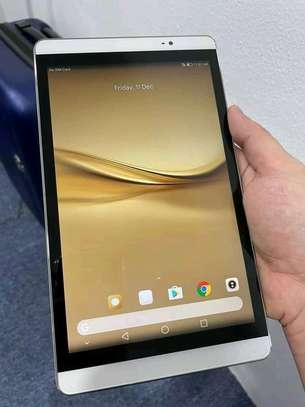 Huawei Tablet image 2