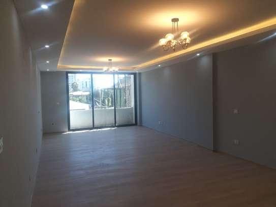 220 Sqm Apartment For Sale image 3