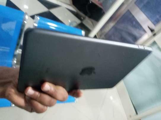 Ipad 5th generation image 3