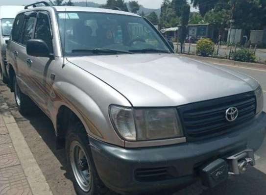 2003 Model-Toyota Land Cruiser 1O5