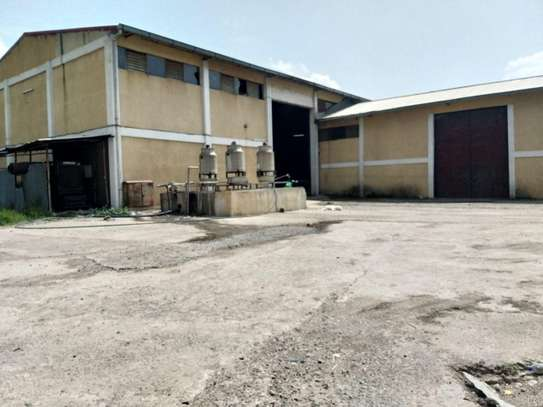 Warehouse For Rent @ Hana Mariyam