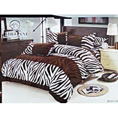 2 Bedsheets(Size:6X6), 2 Pillowcases image 1