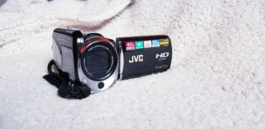 JVC Camcorder with the remote image 1