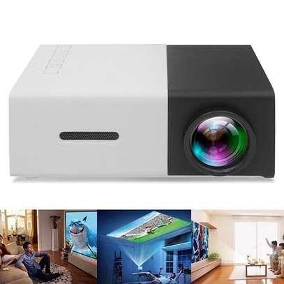 YG300 Huishoudelijke Full High Definition MIni LCD Projector