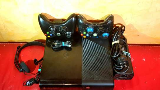 Xbox 360 E With 70+ Games