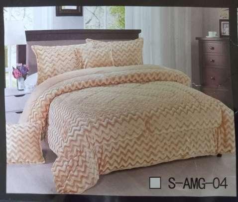 Luxury 6 Pcs Set Comforter image 4