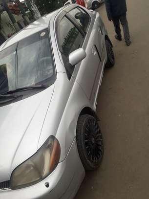 Toyota Platiz image 1