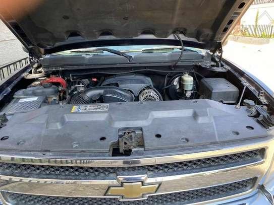 2010 Model-Chevrolet Silverado image 2