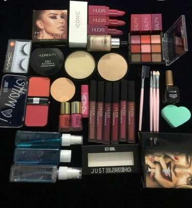 Huda beauty perfect combo