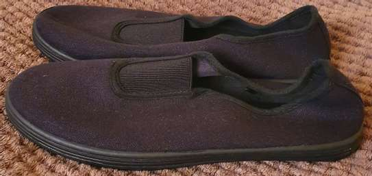 Black flat shoes for girls image 1