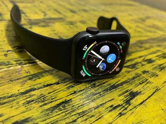 Apple Watch Series 4 (44MM) image 1