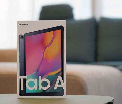 Samsung Tab A 8.1 inches image 1
