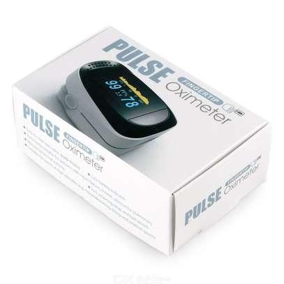 Fingertip Pulse Oximeter image 1