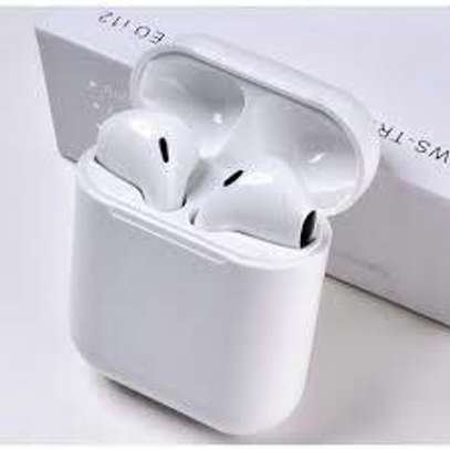 Best airpods image 2