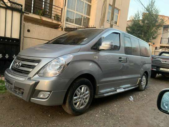 2017 Model Hyundai Starex