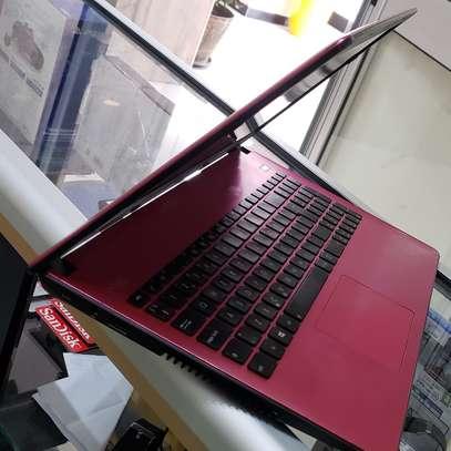 Asus laptop image 3