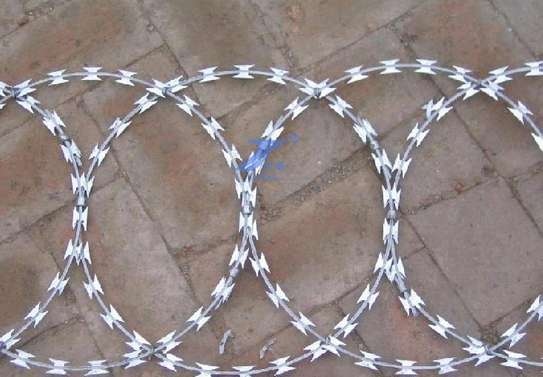 Galvanized outdoor barbed razor wire with security safety fence image 3