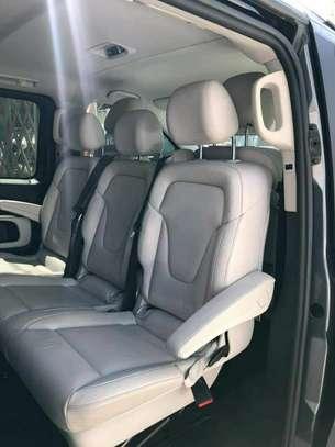 2020 Model-Mercedes -Benz V250 image 2