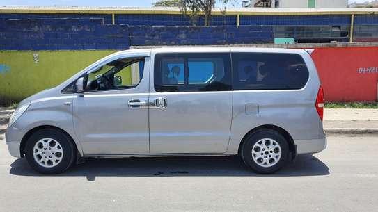 2012 Model-Hyundai Grand Starex image 3