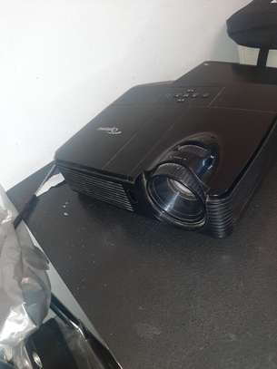 Optoma Projector almost new image 3