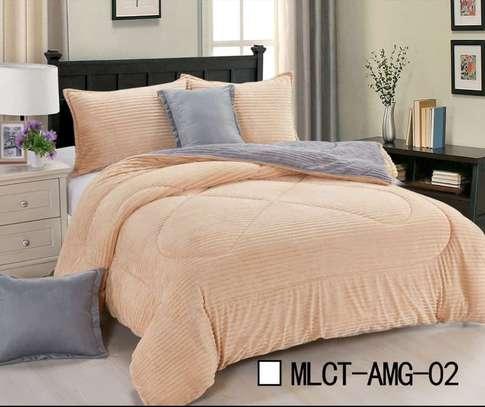 Reversible Luxury 6 pics set comforter - 3 colors image 2